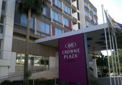 crowne-07